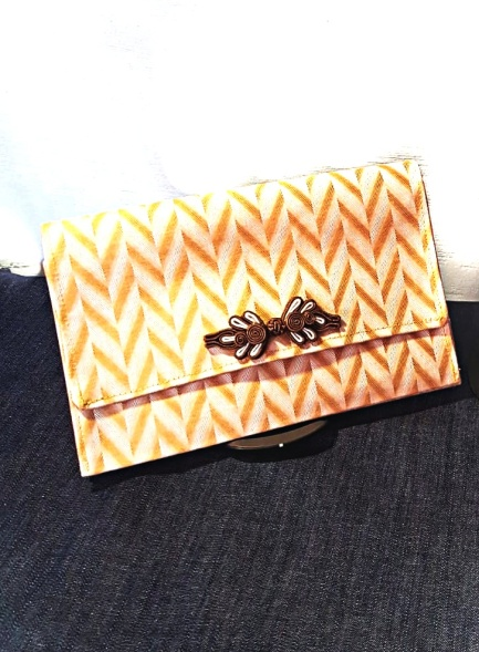 CHAVAH CLUTCH - Sandy Brown Geometric Print
